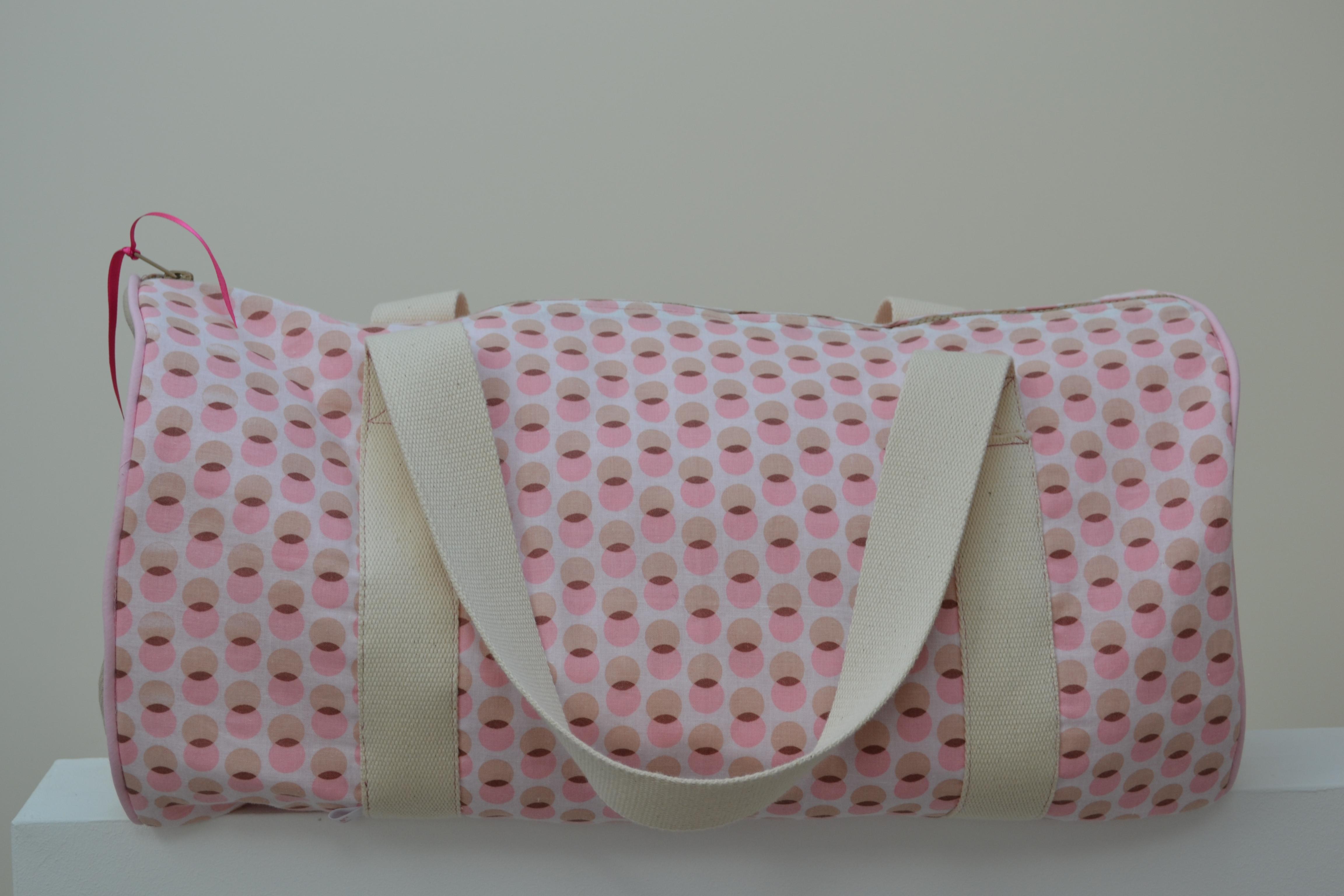 sac de voyage cute you 39 re. Black Bedroom Furniture Sets. Home Design Ideas